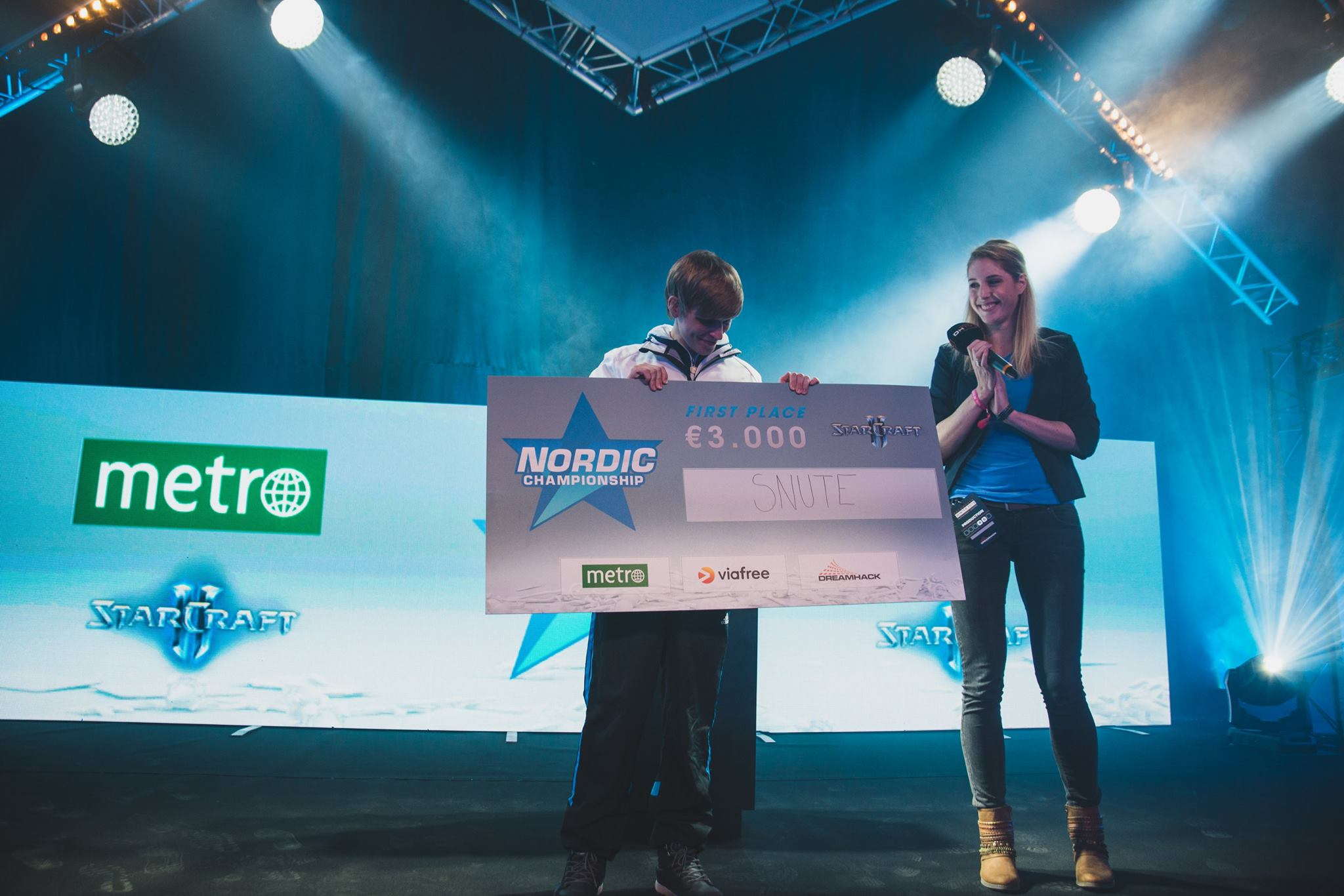 Sheever host e-sports esports presenter nordic championships