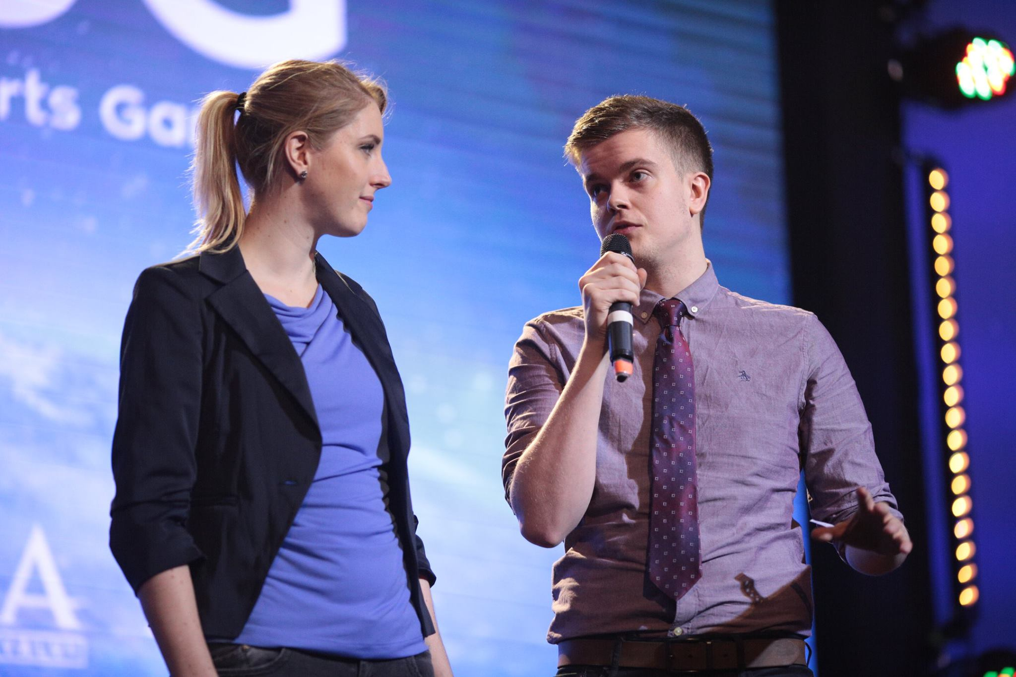 Sheever Presenter Host Esports Dota 2